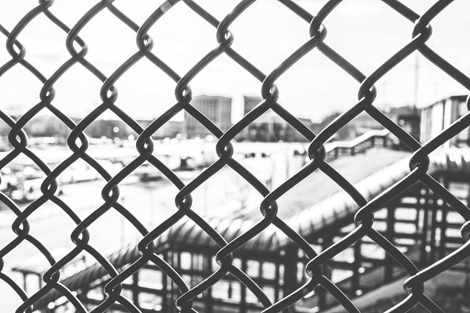 Free photo Black And White Chainlink Fence - Max Pixel