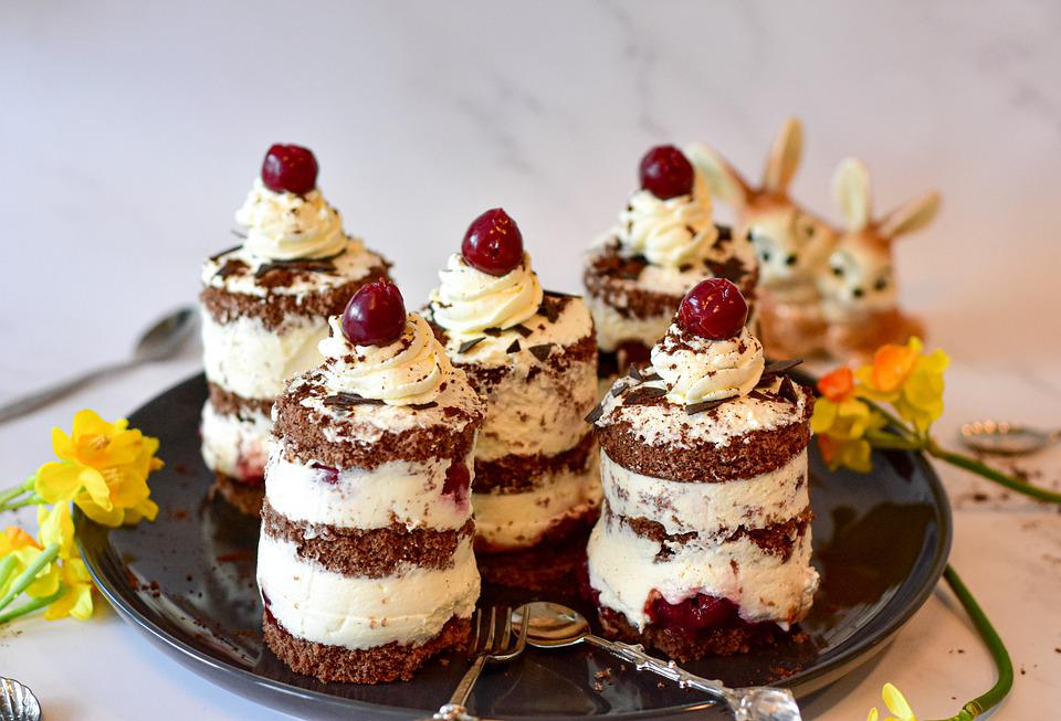 Black Forest, Cakes, Small Cakes, Mini Cakes, Desserts