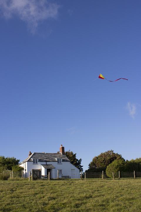 Kite, Flying, Cottage, Blue, Sky, Summer, Child, Fun
