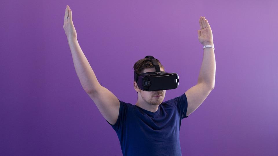 Vr, Virtual Reality, Man, Technology, Blue Shirt, Hmd