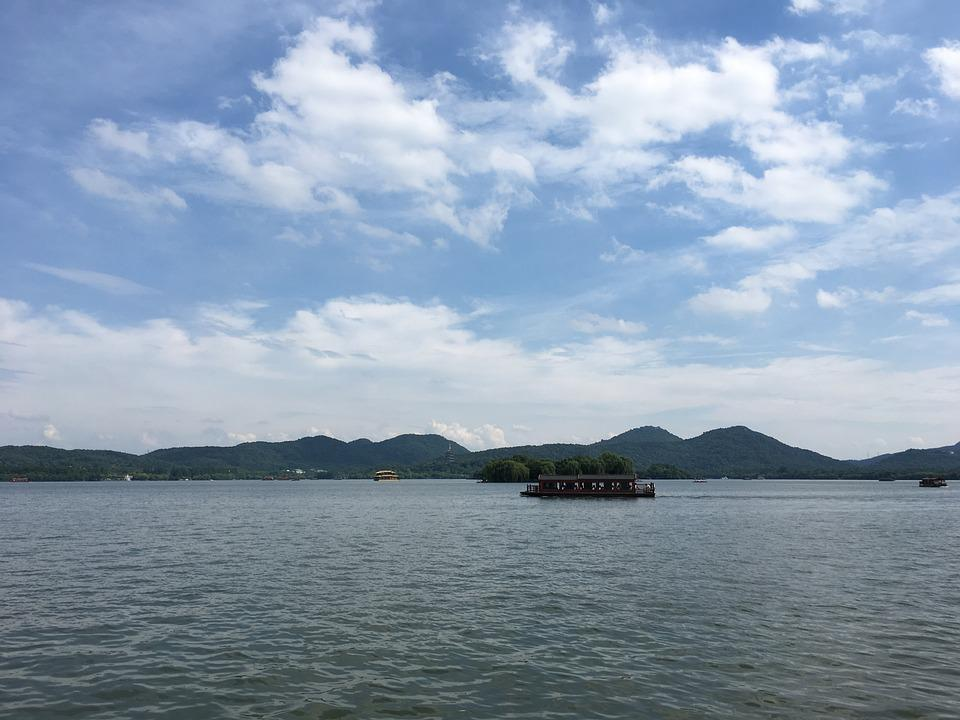 West Lake, Blue Sky, The Scenery