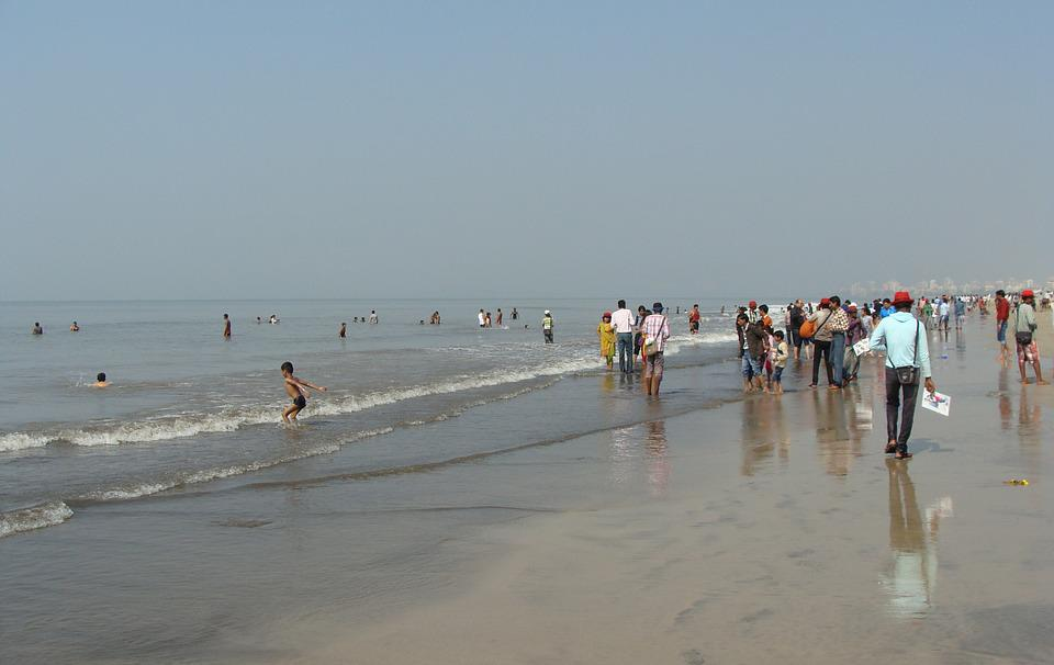 Free photo Bombay India Juhu Beach Mumbai Arabian Sea Sand
