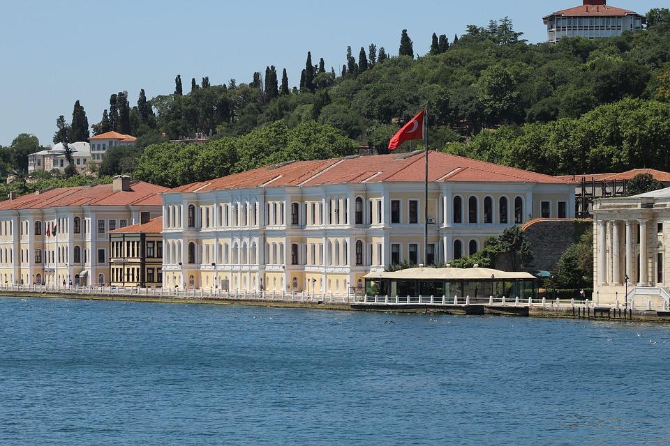 Istanbul, Bosphorus, Sea, Flag