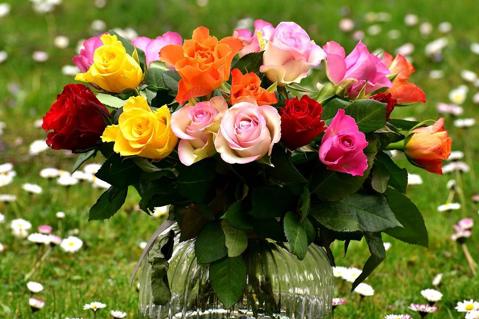 Free photo Bouquet Vase Gift Roses Flowers Colorful Meadow - Max Pixel