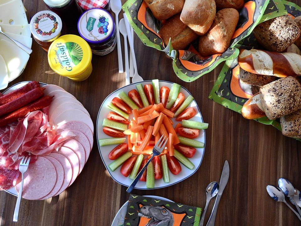 Dine, Eat, Bread, Roll, Liquor Bar, Food, Nutrition