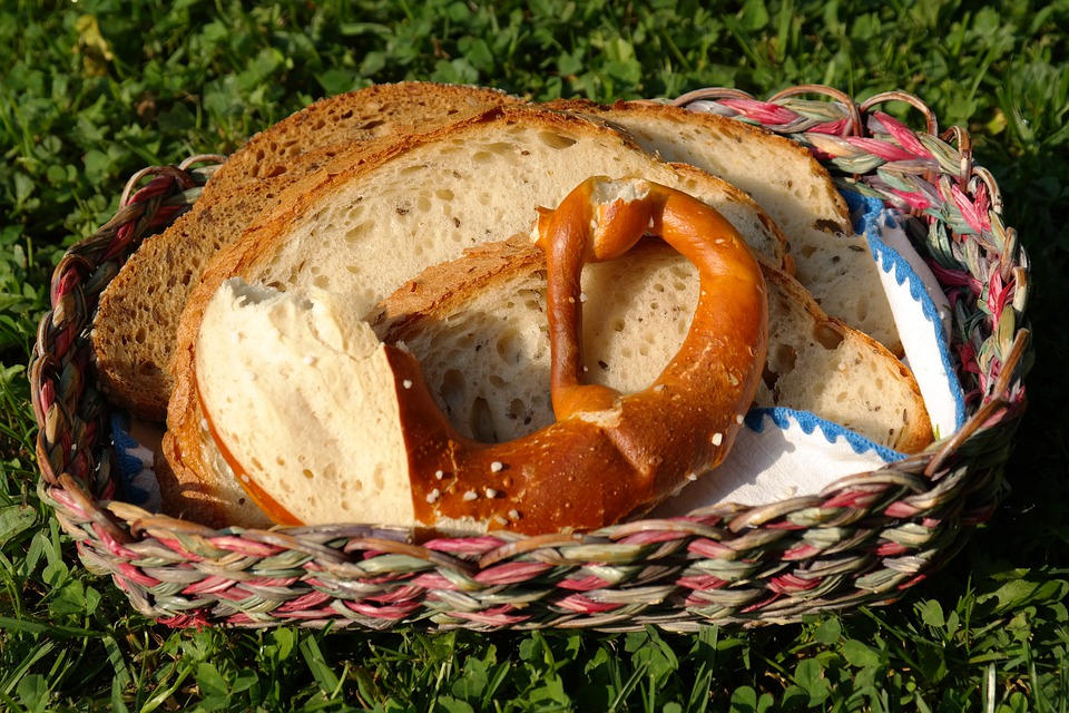 Pretzel, Bread, Bread Slices, Basket, Breakfast, Food