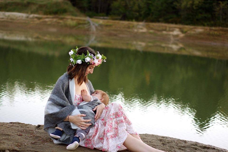 Breastfeeding, Nature, Girl