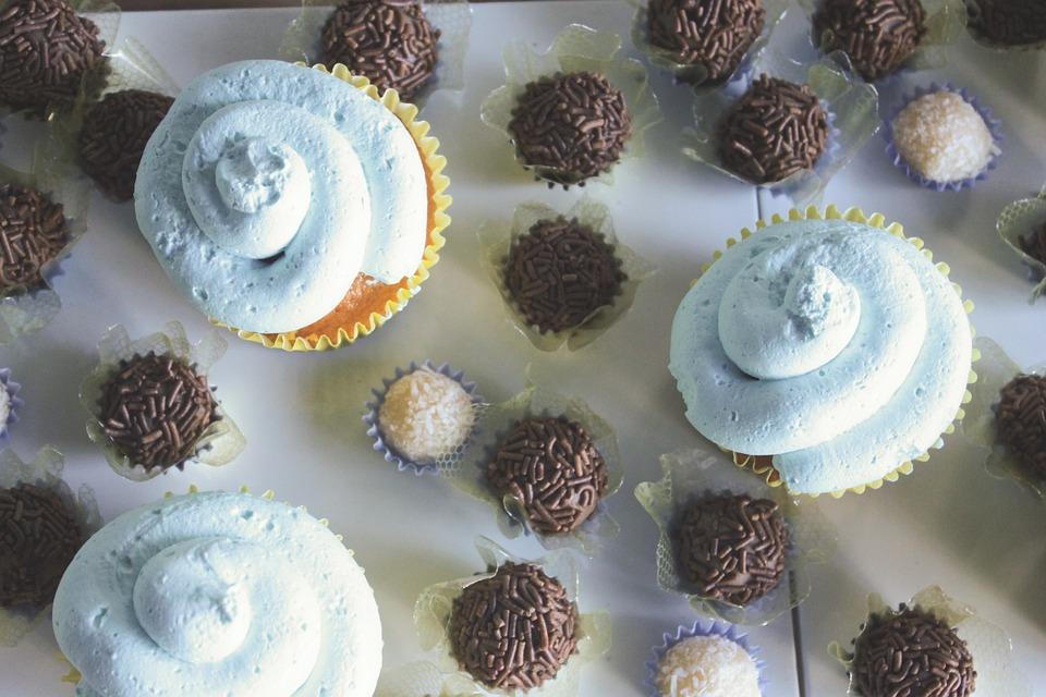 Brigadier, Cupcake, Candy, Dumplings, Table