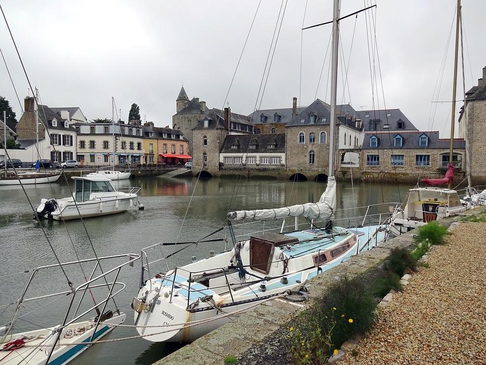 Brittany, Cornwall, Pant-labbé, Basin, Boat