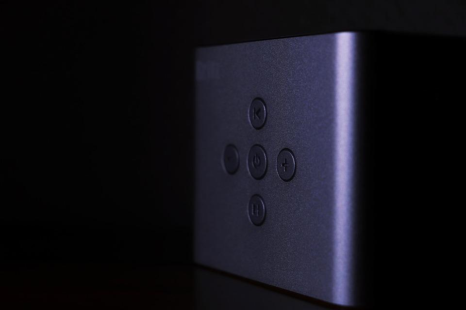 Speaker, Britz, Button, Power, Volume, Adjustable