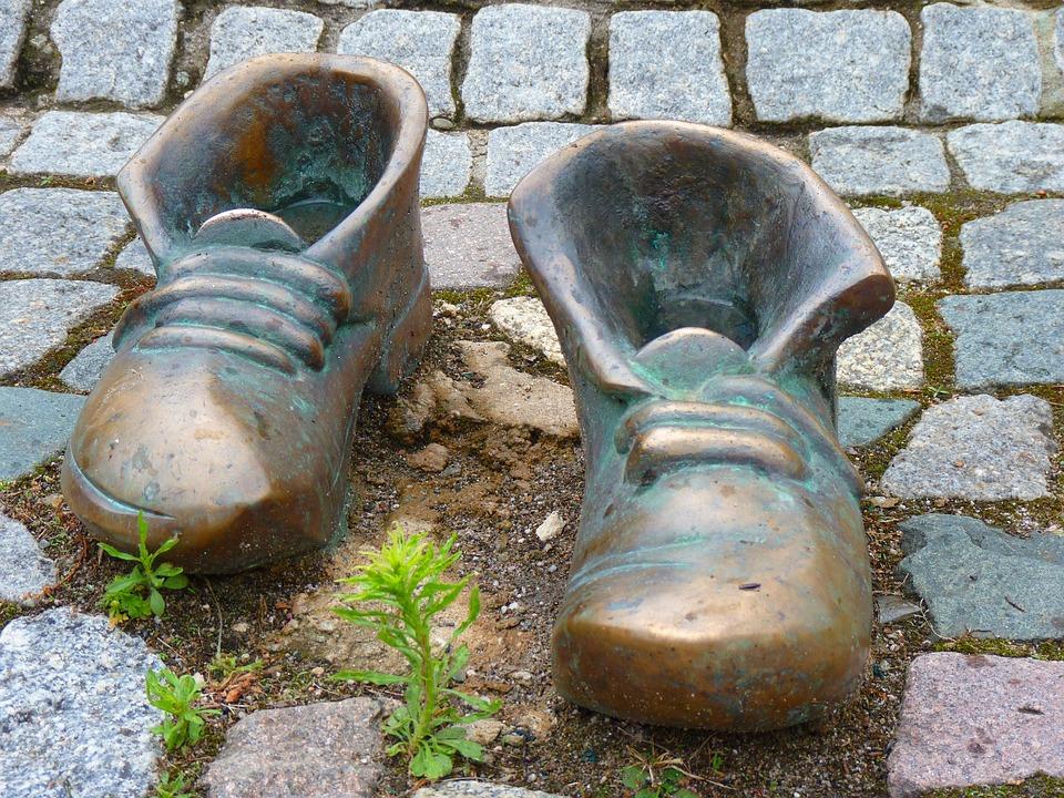 Shoes, Bronze, Shoelace, Run, Go, Garment