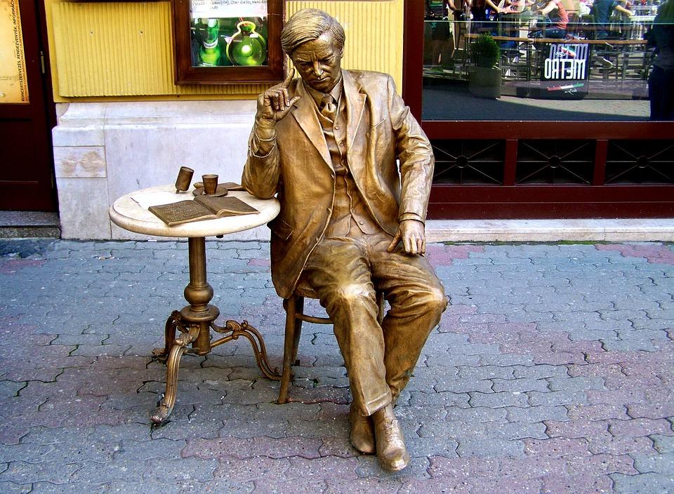 Bronze Statue, Pecs, King Street