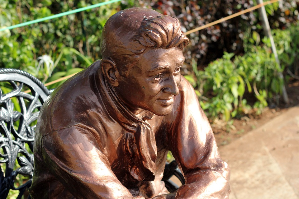 Dev, Anand, Statue, Bronze, Brown, View, Bollywood