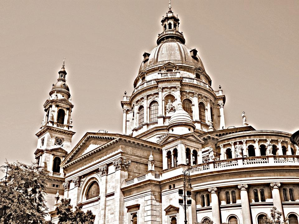 Budapest, Basilica, Building