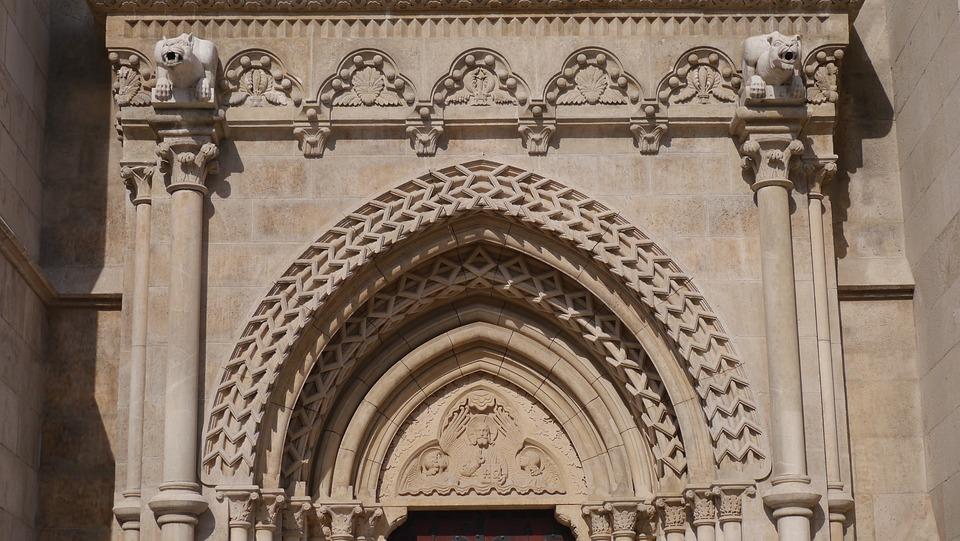 Church, Budapest, Arch