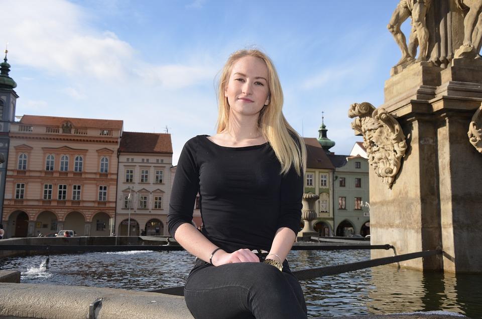 Fountain, Square, Budějovice, Girl, Winter, Sun