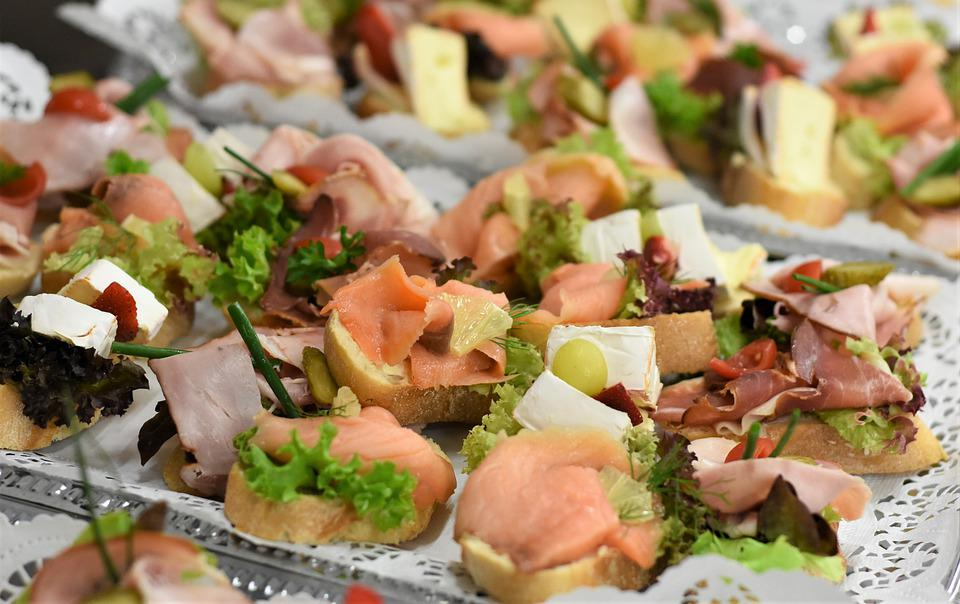 Roll, Canapes, Chunks, Sandwiches, Finger Food, Buffet