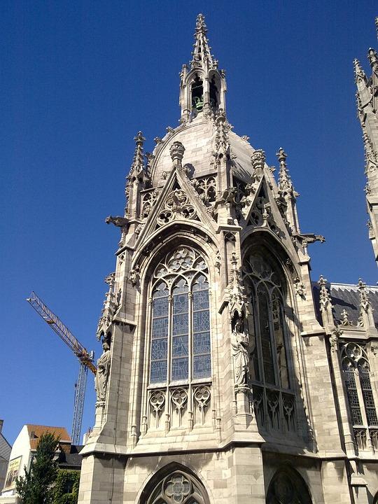 Antwerp, Belgium, Building