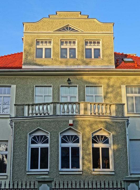 Bydgoszcz, Pediment, House, Gable, Building