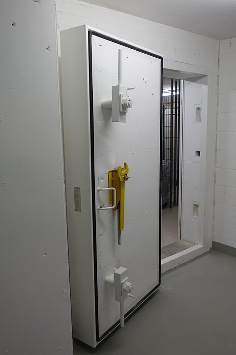 Vault Door Bunker Door Bunker Solid Steel Backup & Free photo Bunker Door Backup Bunker Vault Door Solid Steel - Max Pixel