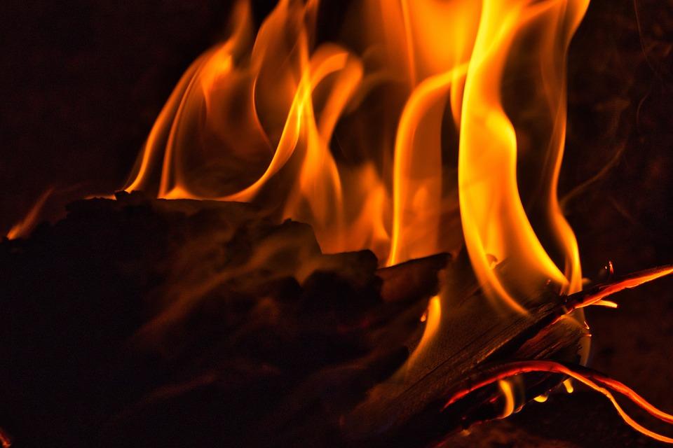 Fire, Burn, Hot, Flame, Embers, Heat, Heiss, Campfire