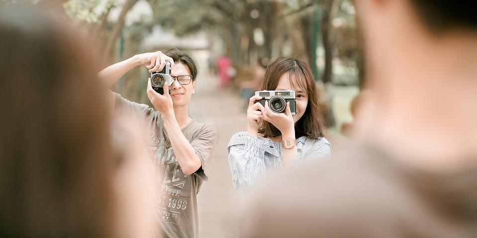 Couple, Camera, Pose, Picture, Photograph