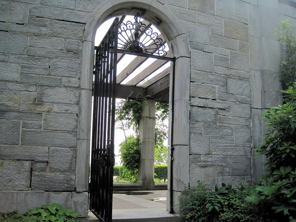 Stone Wall, Arched, Gate, Ontario, Canada