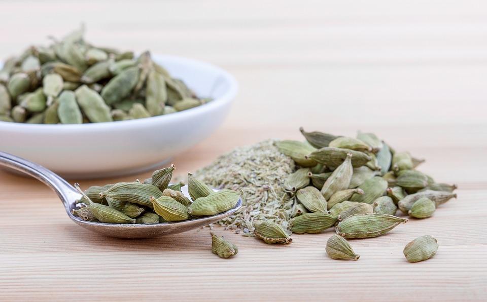 Cardamom, Spice, Spoon, Shell, White, Capsule, Wood