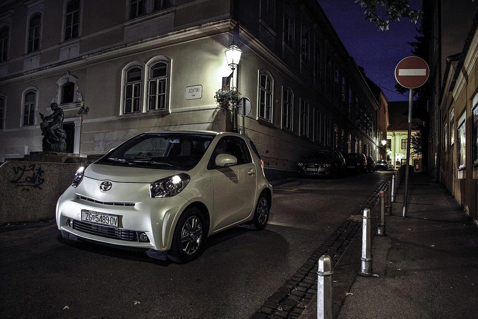 Toyota Iq, Car, Small Car