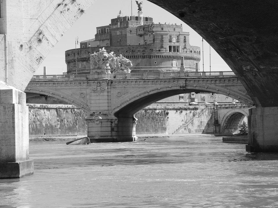 Castel Sant'angelo, Tiber, Rome