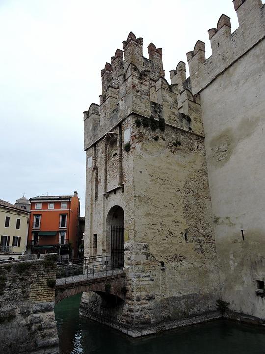 Castle, Bridge, Levatoio, Sirmione, Walls