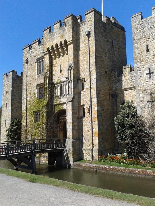 Hever Castle, Moat, Drawbridge, Castle, Castellated