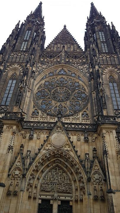 Prague, Castle, Architecture