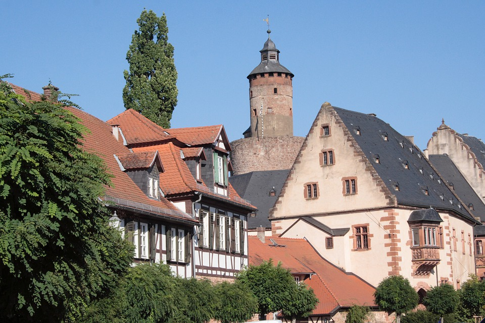 Castle Tower, Truss, Old Town