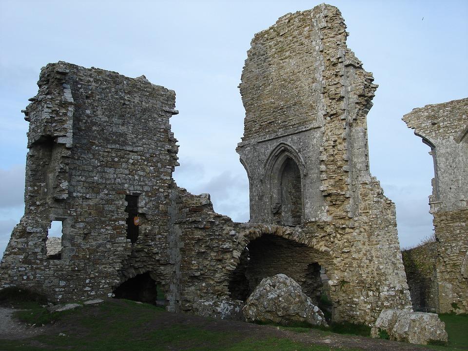 Ruinas, Castles, South Of England