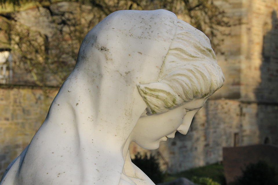 Tomb Figure, Abbey Marie, Cemetery