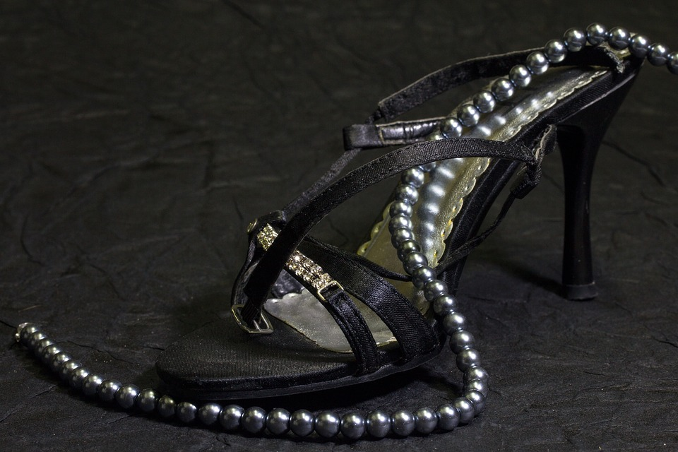 Shoes, Frauenschuh, Beads, Pearl Necklace, Chain