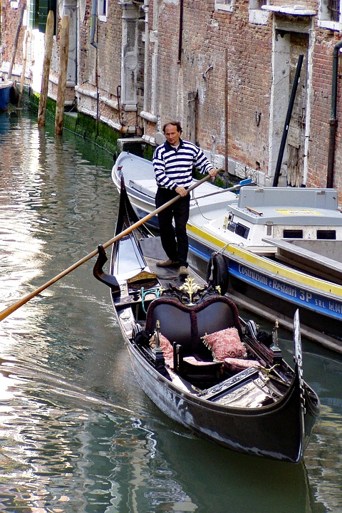 Gondola, Channel, Venice, Italy, Gondolier, Taxi