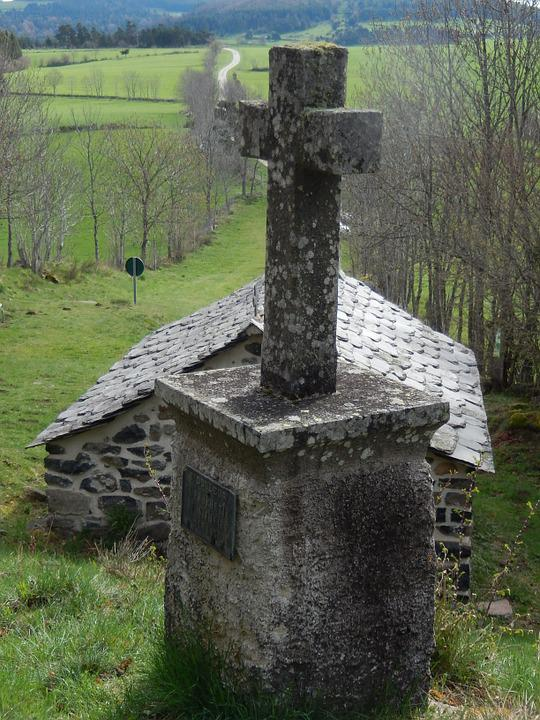 Cross, Pierre, Chapel