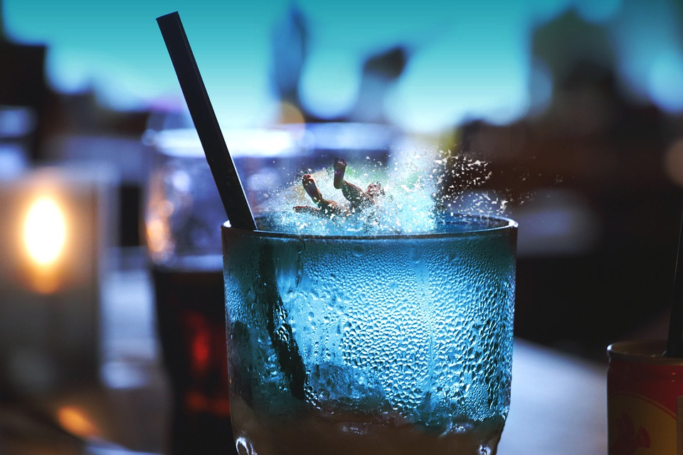 Glass, Drink, Character, Straw, Splash, Water, Table