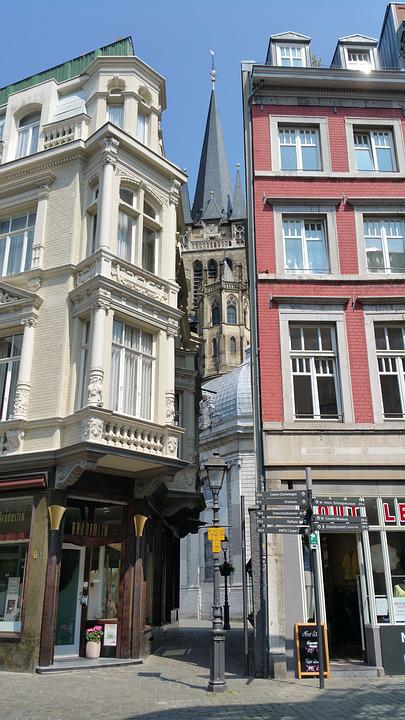 Aachen, Charlemagne, Streets