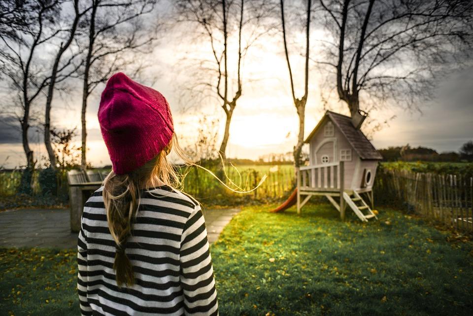 Girl, Garden, Sun, Play House, Child, Green, People