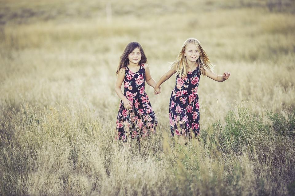 Sisters, Girls, Summer, Fun, Children Playing, Siblings