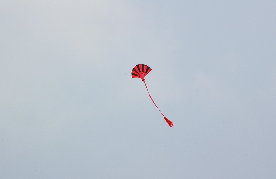 Kite, Kiting, Kite Tail, Flying A Kite, Child's Toy