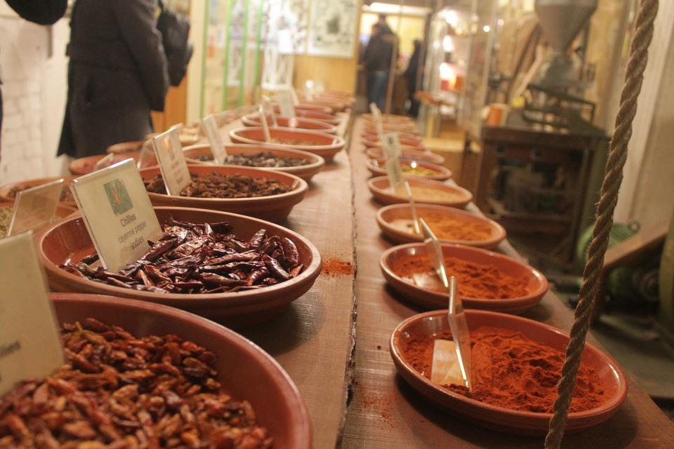 Spices, Chili, Red, Ground, Dried