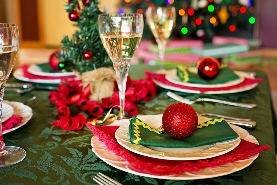 Сервировка стола на рождество