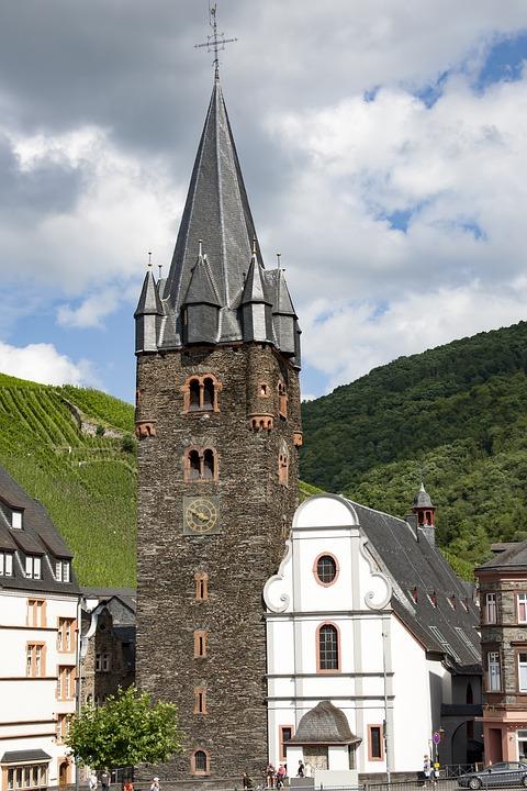 Bernkastel Kues, Church, Historically, Old Town