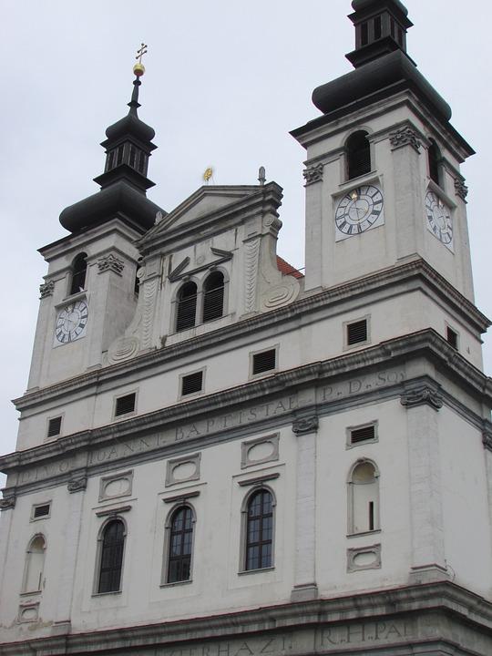 Trnava, Slovakia, Religion, Church
