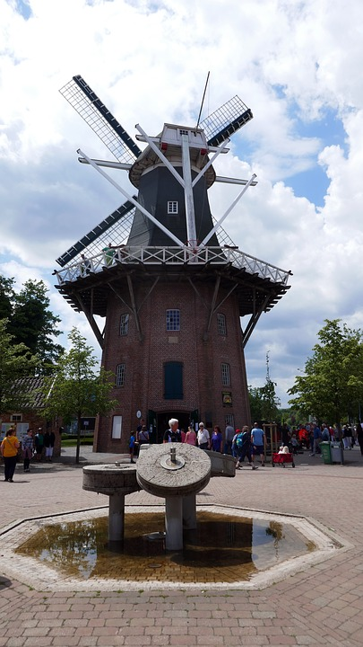 Papenburg Germany, City, Pedestrian Zone, Tourism