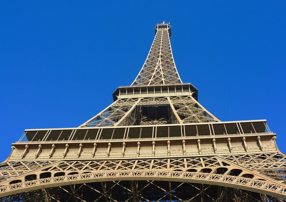 Eiffel Tower, City Paris, Weight 10100 Tons
